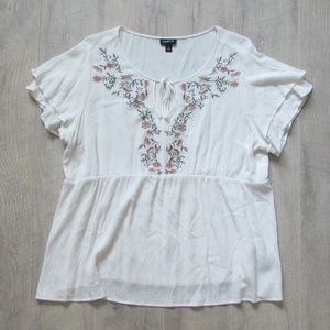 Torrid White Floral Embroidered Gauzy Top Size 1